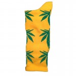 chaussette-cannabis-jaune-verte-feuille-marijuana